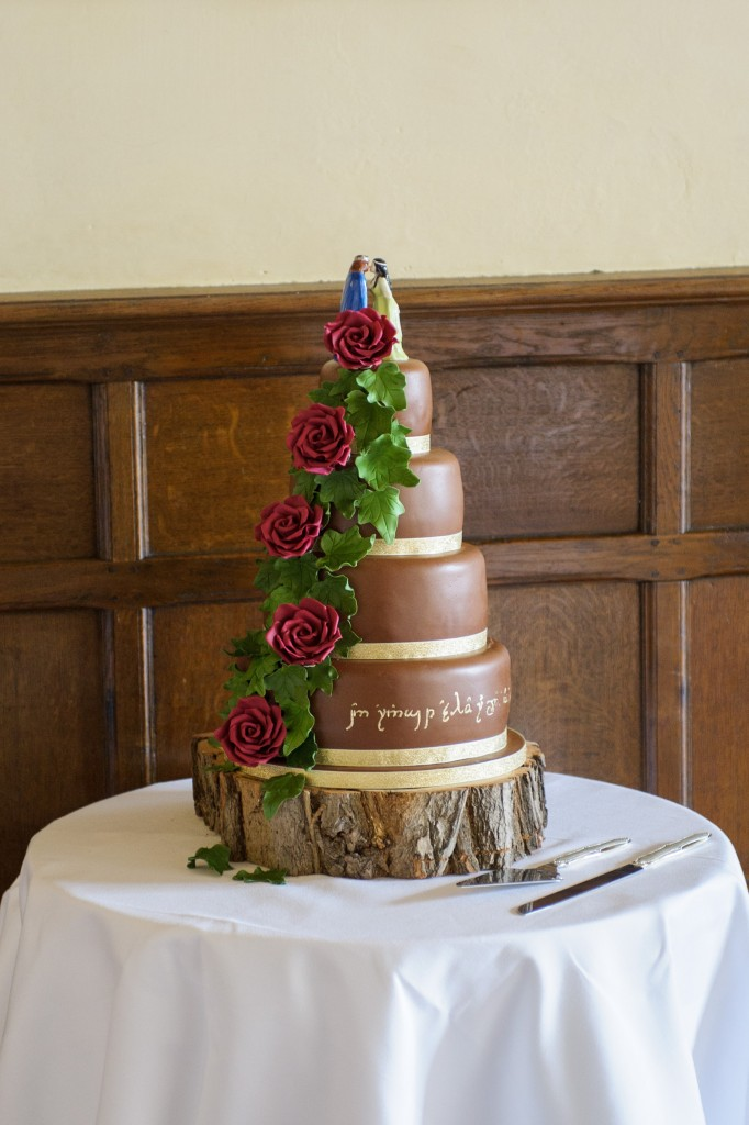 lord of the rings themed wedding cakes real weddings and wed in middle earth 16936