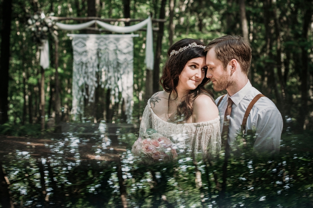 A Gorgeous Rustic Intimate Woodland Wedding At Blue Moon Rising
